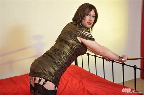 Check Out This Black Haired Crossdresser Kirsty In Her Dungeon