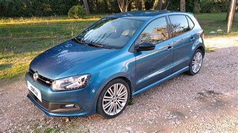 This small hatchback comes with powerful engines and extremely comfortable interiors. VOLKSWAGEN POLO d'occasion Polo 1.4 TSI 150 ACT BlueMotion ...