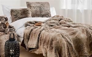 Plaids Für Sofas : decke plaid winter home marcus hansen m nchen ~ Markanthonyermac.com Haus und Dekorationen