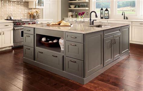 kraftmaid kitchen island kraftmaid vantage custom cabinetry 3609
