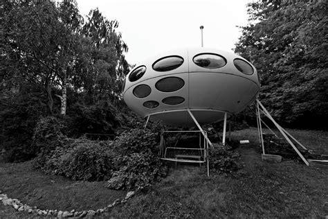 futuro haus kaufen the futuro house berlin germany information photographs history maps