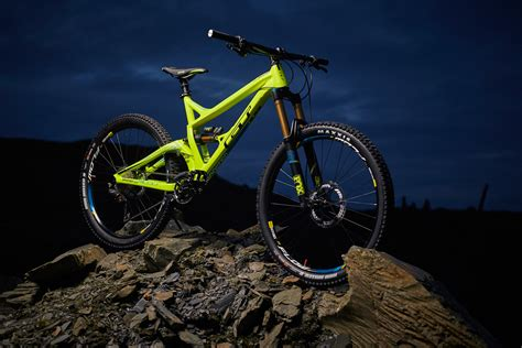 Five 165mm Travel Enduro Mountain Bikes