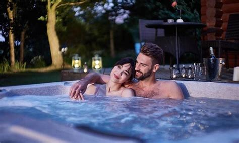 tub couples find your tub hoseasons