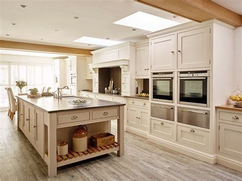 country kitchens with islands 17 best ideas about country kitchen island on