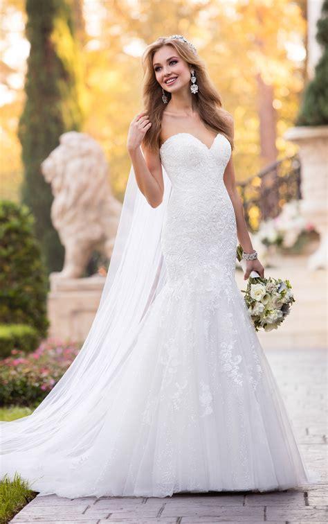 lace wedding dresses form fitting lace wedding dress