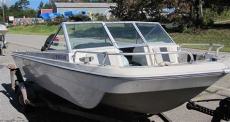 Manatee Runabout Boat by Fabuglas Co Inc Boat Covers