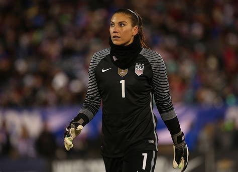 hope solo calls  nwsl  unprofessional work conditions