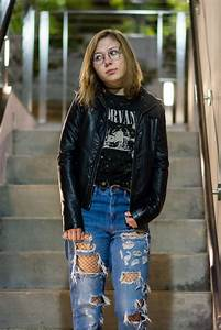 Students dust off u201990s grunge trend to express individuality   Daily Bruin
