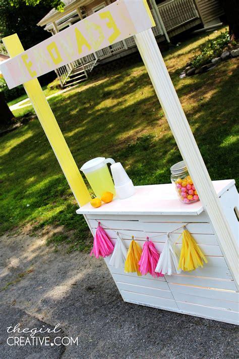 diy lemonade stand  girl creative