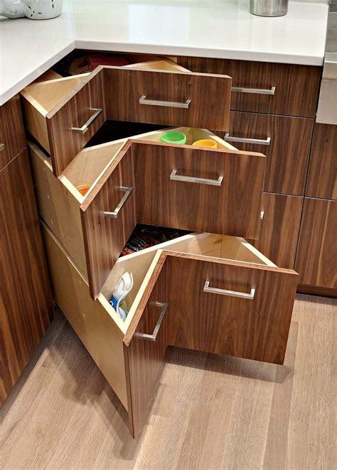 tiroir angle cuisine meuble cuisine angle un gain de place universel