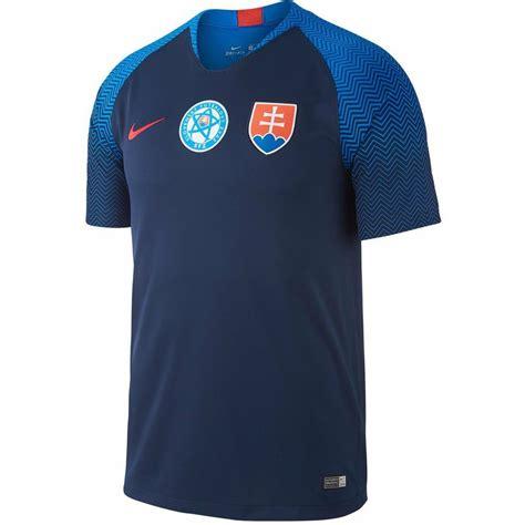 Slovenská hokejová reprezentace představila inovované reprezentační dresy a logo. Dres Nike Slovenská reprezentácia modrý M