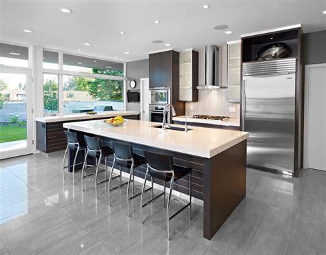cuisine sur cuisine cuisine ouverte sur salon avec marron couleur