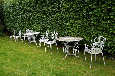 5 Gorgeous French Garden Furniture Metal Items