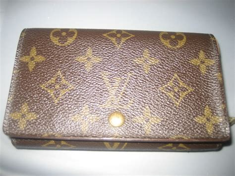 spotting fake louis vuitton handbags  easy