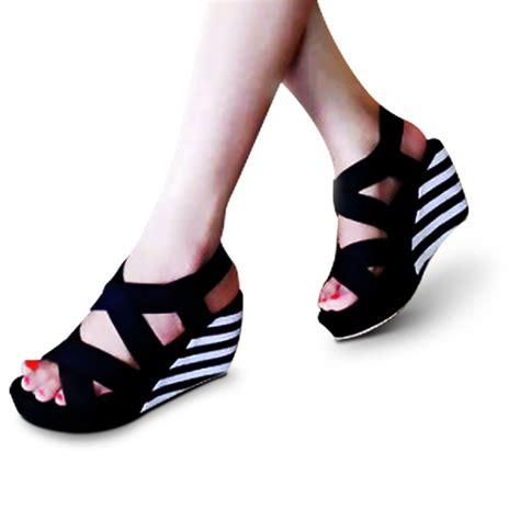 sepatu sendal wanita casual sepatu sandal wanita wedges hitam daftar