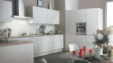 cuisine gris awesome cuisine blanche mur gris clair contemporary lalawgroup us lalawgroup us