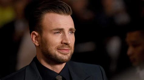Chris Evans' Fans Worry About His Anxiety After Nude ...