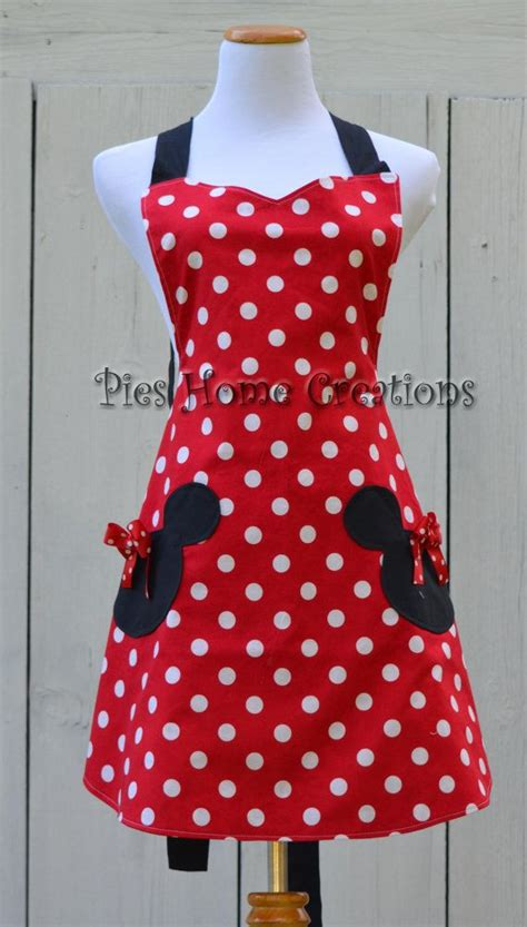 Disney Kitchen Aprons by Best 25 Cooking Aprons Ideas On How To Make