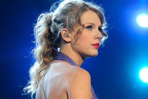 readers poll    taylor swift songs rolling stone