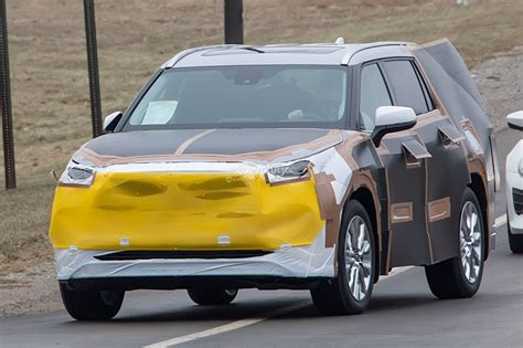 Toyota En 2020 by 2020 Toyota Highlander Spied Features Rav4 Inspired Front
