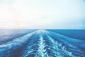 20 Beautiful Ocean Wallpapers To Freshen Up Your Desktop ...