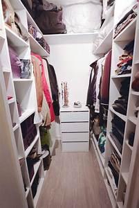 Dressing Petit Espace : voici un nouveau projet termin d 39 un petit dressing r agenc au d part une toute petite pi ce ~ Teatrodelosmanantiales.com Idées de Décoration