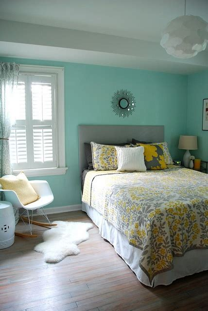 yellow and blue bedroom 1000 ideas about blue yellow bedrooms on pinterest 17894 | 32782eeef7380acc93560c4350a64d98