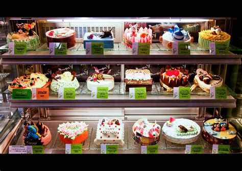 pretty to eat this was at an cake shop in ho flickr