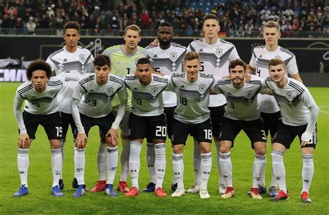 Joshua kimmich diktierte beim sieg gegen island tempo und tiefe. Deutsche Nationalmannschaft: Der VfB Deutschland - Fußball - Stuttgarter Zeitung