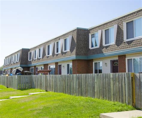 3 bedroom townhomes for rent edmonton west 3 bedrooms townhouse for rent ad id bw