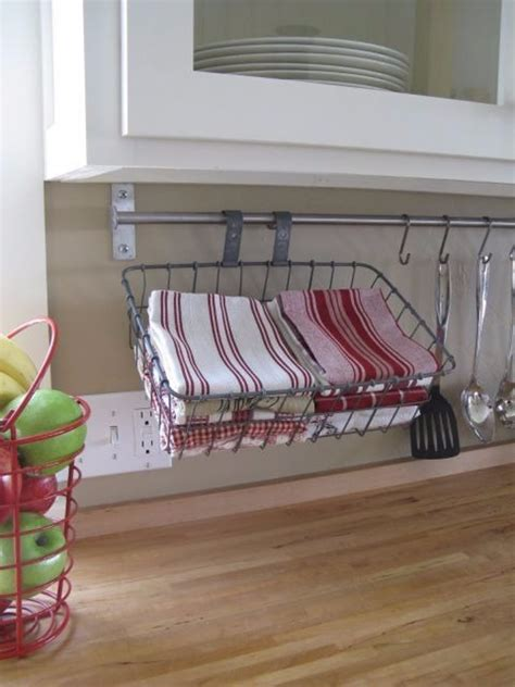 kitchen towel bars ideas 9 clever ways to organize with a towel bar hometriangle