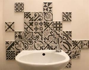 carreaux With carreaux de ciment noir et blanc