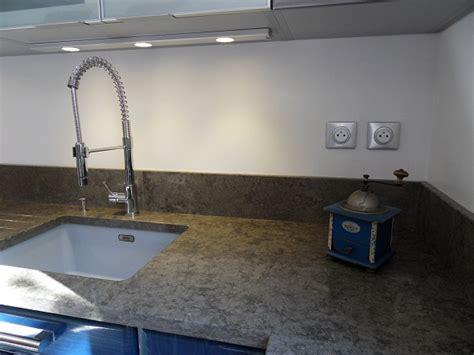 cr馘ence en verre pour cuisine modele de credence pour cuisine maison design bahbe com