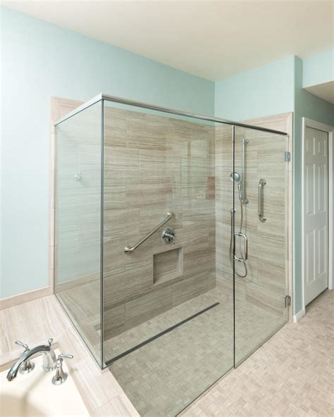 senior friendly bathroom design ideas