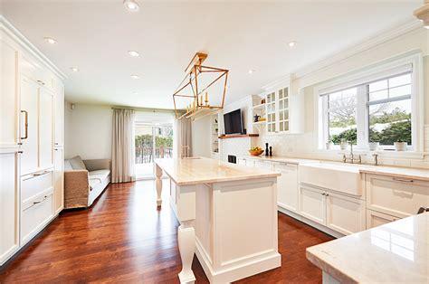 cuisine classique blanche rénovation cuisine et salle de bain classique