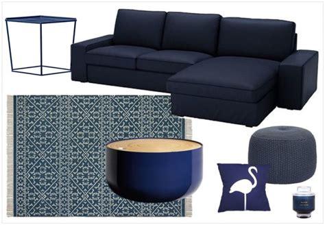coussin pour canapé palette une touche de bleu marine dans la déco joli place