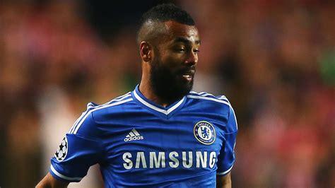 Transfer news: Former Chelsea defender Ashley Cole set for ...