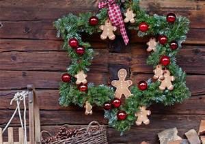 Weihnachtsdeko Basteln Für Den Tisch : weihnachtsdeko selber machen tischdeko viele ideen zum basteln living at home ~ Whattoseeinmadrid.com Haus und Dekorationen