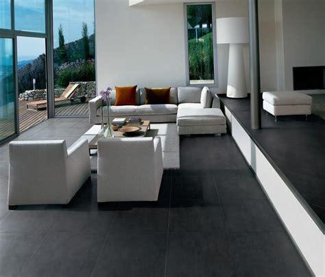 interieurtips kleine ruimte je woonkamer inrichten met een donkere vloer