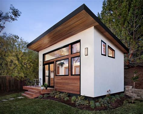 Backyard House - sustainable avava systems as tiny houses tiny house