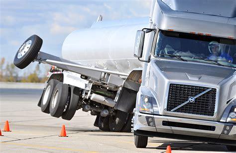 volvo trucks demonstrasikan alat bantu kontrol
