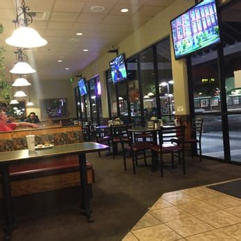 round table pizza reviews round table pizza 43 photos pizza elk grove ca