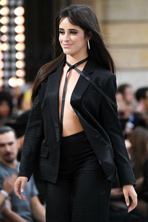 Camila Cabello Defile Oreal Paris Show