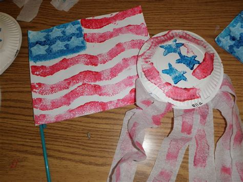 preschool crafts for 4th of july flag and shaker craft 878 | P7010008