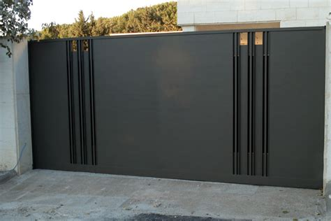 fencing spray painting by ceilcote ceilcote paint spraying services cambridge void spraying uk