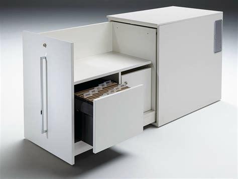 serrure armoire bureau armoire de bureau à portes coulissantes avec serrure