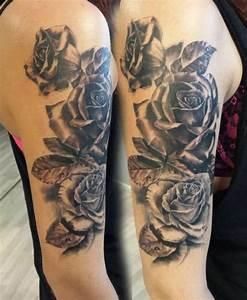 Rosen Tattoo Schulter : die 25 besten ideen zu schwarze rosen auf pinterest schwarze rosenbl te blaue rosen und ~ Frokenaadalensverden.com Haus und Dekorationen