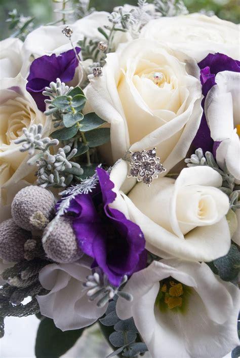 winter wedding flowers  eaves hall laurel weddings