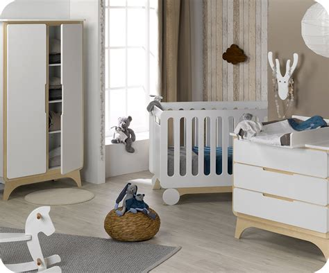 chambre bebe but chambre bébé complète pepper blanche et bois