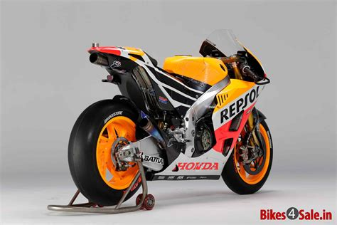 repsol honda unveils  honda rcv motogp racebike